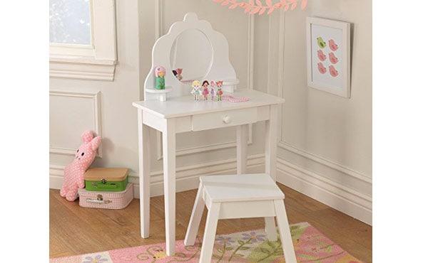 kids-makeup-table-1