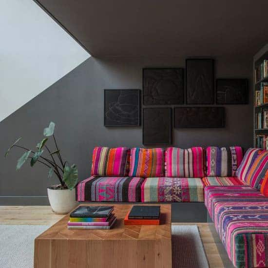 color-vs-grey-daybed