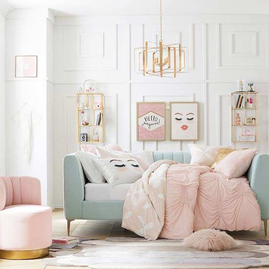 girls-room-daybed