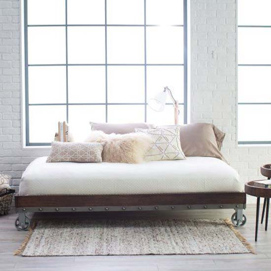 daybed-with-casters