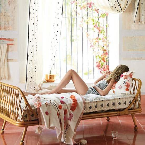 weaved-lounge